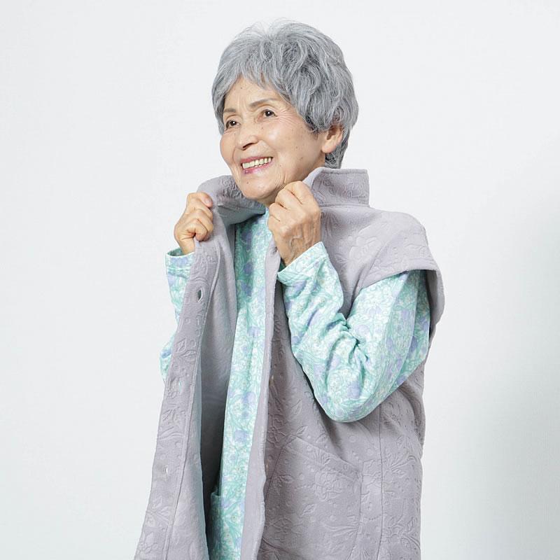 70代80代シニア女性に人気のあったかベストホームウェア(洋服)